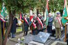 Obchody 77. rocznicy utworzenia Batalionów Cłopskich - Warszawa, Cmentarz Powązkowski przy pomniku upamiętniającym zołnierzy Batalionów Chłopskich