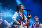 Koncert Gospodarze - Gościom, na scenie zespół folkowy ROKICZANKA